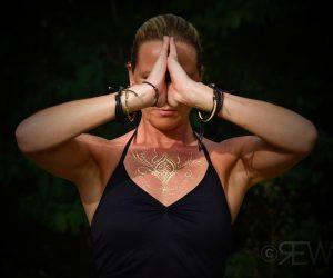 Yoga veracht bij chronische pijn